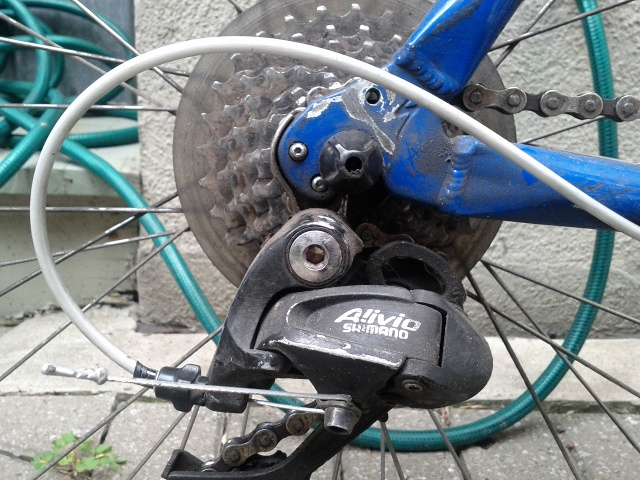shimano rear gear attached