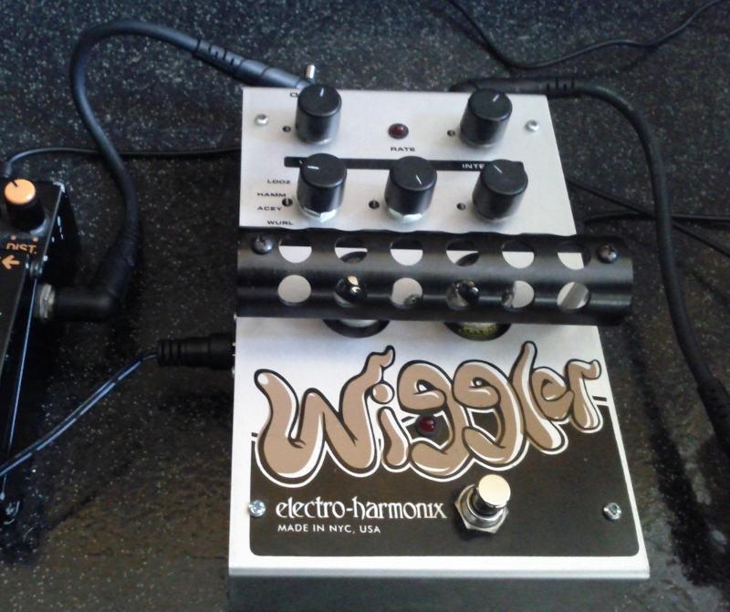 electro-harmonix the wiggler